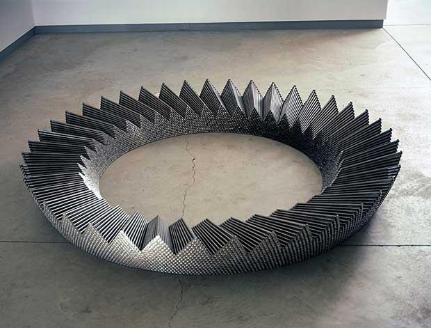 esculturas-clavos-john-bisbee-6
